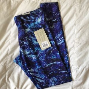Balance Collection sanded dry-wik  leggings NWT